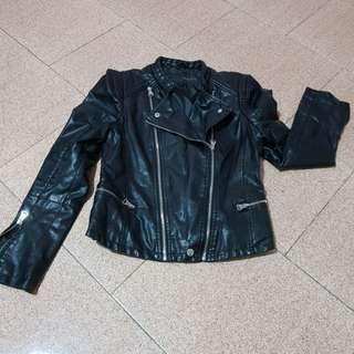 leather jacket the size L is very soft leather. pm if interested item sold r no refund. thk