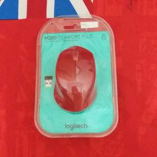 Mouse Wireless Logitech (warna merah)