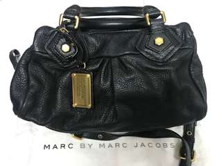 Marc By Marc Jacobs Black Baby Groovee 黑色手袋