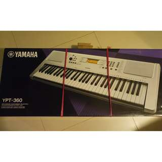 Brand New YAMAHA YPT 360 Portable Keyboard (optional adaptor also included)