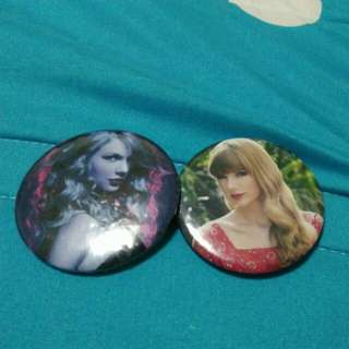 Taylor Swift badges