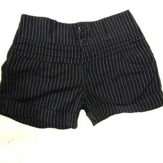 Women short pants