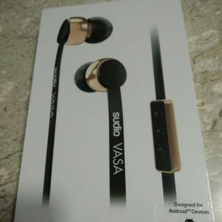 BNIB Sudio Vasa -Rose@):- Gold Black (For Andriod) Original Price:$140 Includ shipping