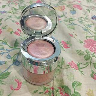 The Body Shop Blush Highlighter
