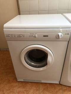 Dryer Machine  乾衣機 - Zanussi ZVD514