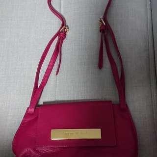 九成新真皮Vivienne Westwood手袋