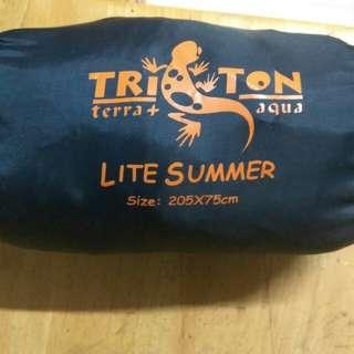 露營睡袋  triton