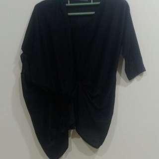 超漂亮設計款衣袖黑色絲質上衣