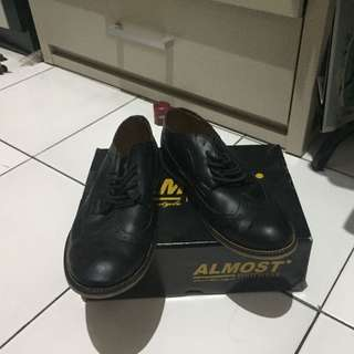 LIKE NEW!! SEPATU CASUAL LOAFERS ALMOST LONGWING