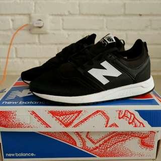 NB 247 size 40-44 BNIB