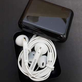 BNIB Authentic Samsung Earpiece
