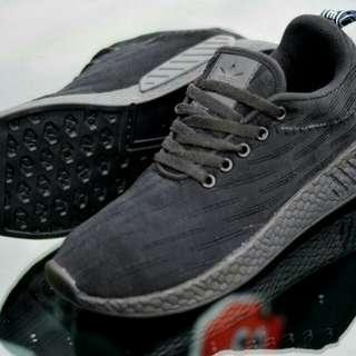 Sepatu adidas rmd r2