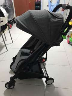 Babythrone compact lightweight strollwr