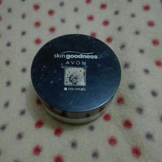 Loose powder Foundation Avon