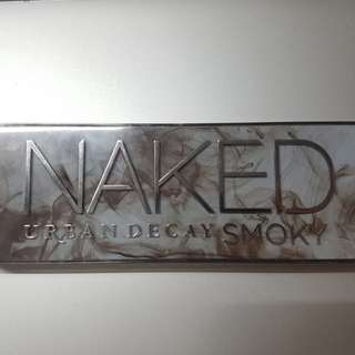 [AUTHENTIC] Urban Decay Naked Smoky palette