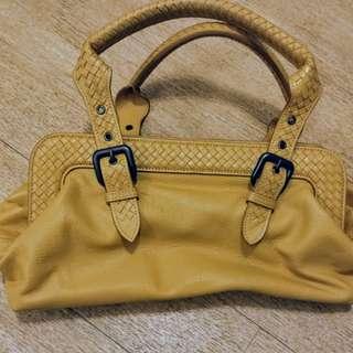 Leather handbag / shoulder bag