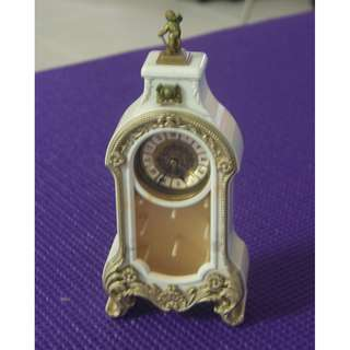 Vintage Battery Operated Miniature  clock