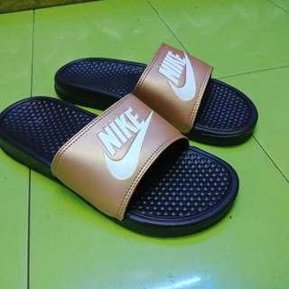 Nike sandal bhennasi flat original.