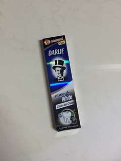 Darlie Charcoal Clean Toothpaste