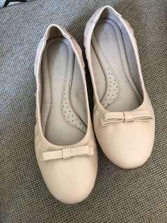 VNC nude beige ribbon flat shoes