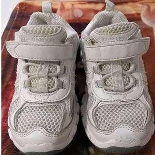 70% new - Stride rite 學童網面白鞋 (Size: US8.5W / UK8 / EUR25.5)