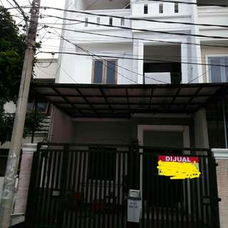 Dijual rumah second Taman nyiur sunter