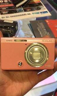 BNIB PINK Casio Exilim! 20x Zoom, 16.1 Megapixels, Selfie functions! with many effects! $280 ONLY!