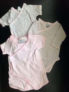 Preloved onesies by Bonds take all for 6-9months