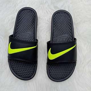 Nike sandal original bhennasi black lis white