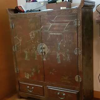 Beautiful chinese cabinet with glass top