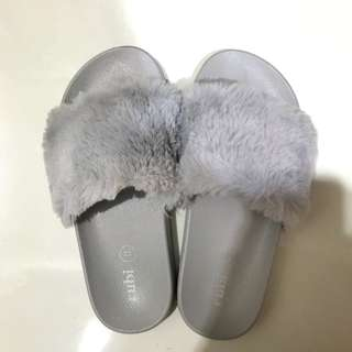 [RUBI] fur sandal grey 35