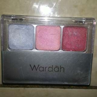 Wardah eyeshadow palette