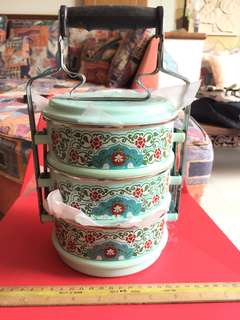 Tingkat container with Peranakan design
