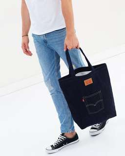 The Levi's Back Pocket Tote