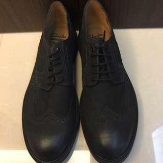 全新 Clarks 男性牛皮皮鞋