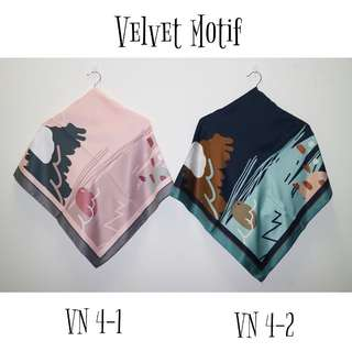 Hijab Velvet Motif