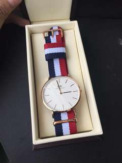 100%New Daniel Wellington 40mm 手錶