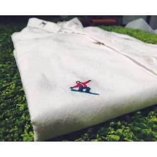 🚚 刺繡白襯衫 聖誕樹雪橇款 S號 便宜出售