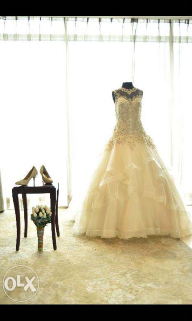 2nd Hand Wedding Gown, Preloved Women\'s Fashion, Clothes on Carousell