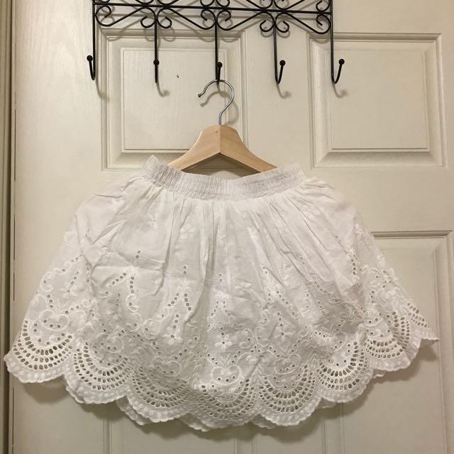純白燒花蕾絲裙