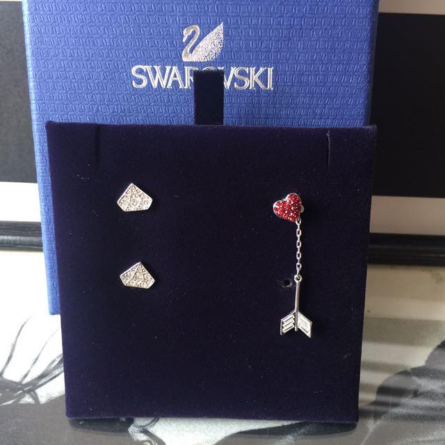 免郵_SWAROVSKI  鑽石💎形狀水晶耳環