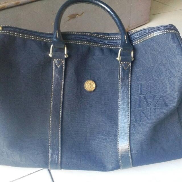 5d55ace56648 Andre Valentino Boston Bag