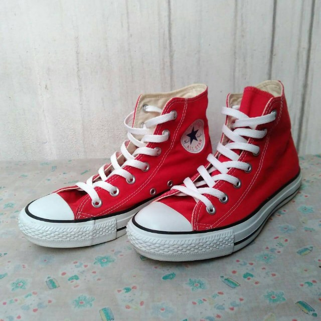Converse high-red (like new!)