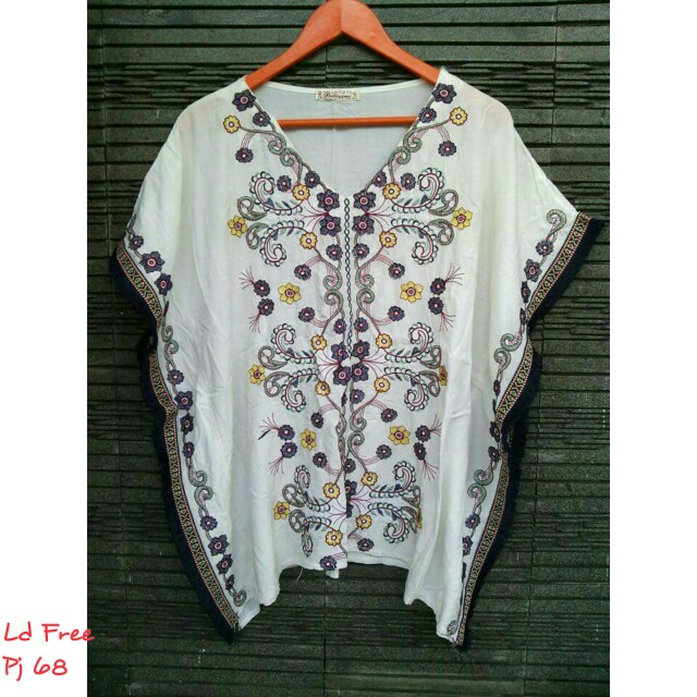 Embroidery batwing top