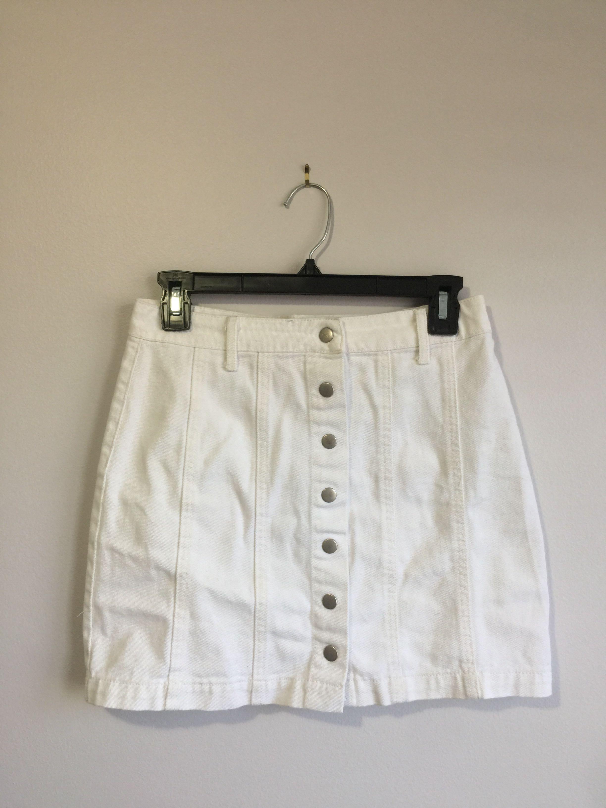 F21 White Skirt