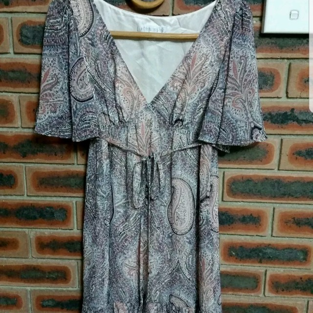 FOREVER NEW PRINTED DRESS Size 8