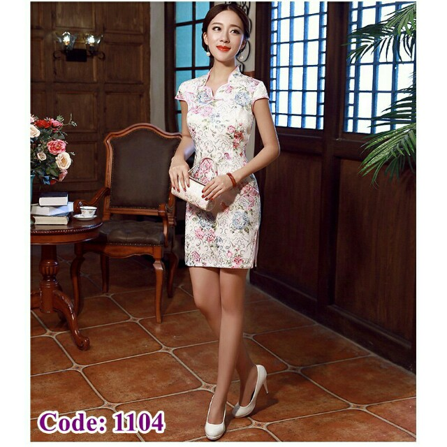 *FREE DELIVERY to WM only / Ready stock* Ladies cheongsam design wear/dress each M size as shown design/color. Free delivery is applied for this item.