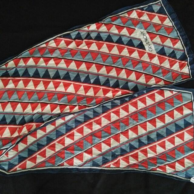 Givenchy syawl