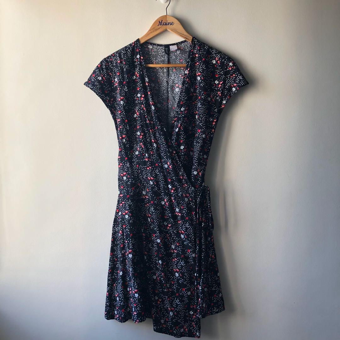 H&M Dress — Black