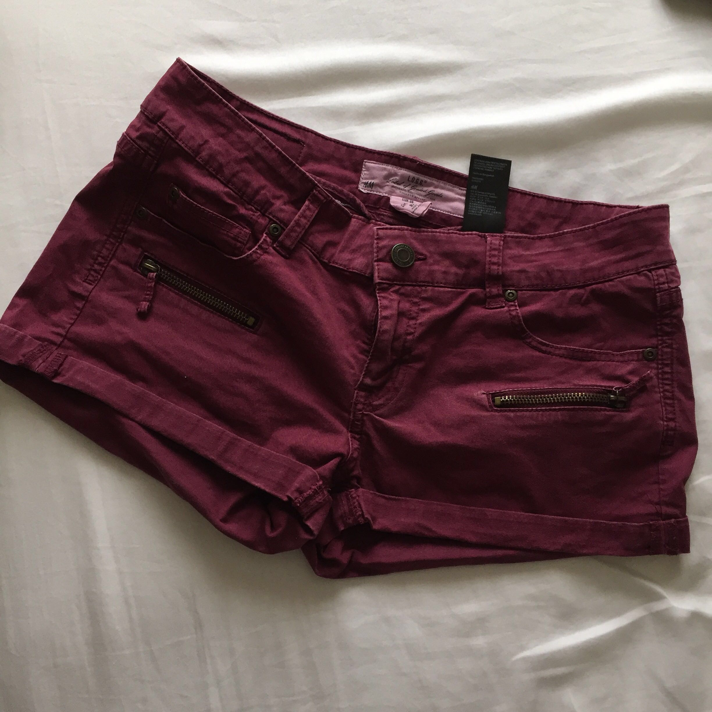 H&M Maroon-Coloured Shorts